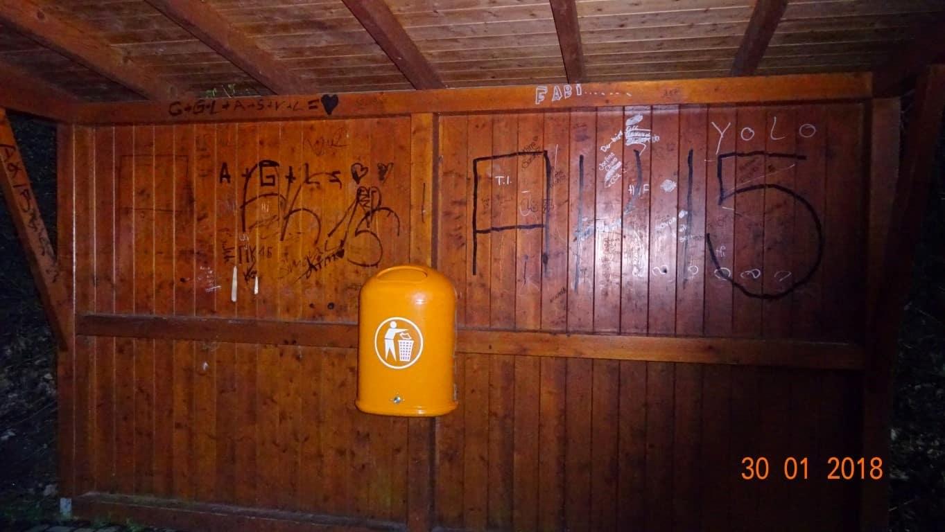 Graffitientfernung Haltestellenreinigung Wartehallen in NRW