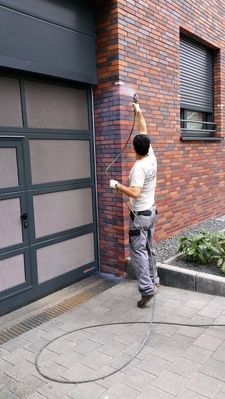 Graffitientfernung und Antigraffiti Klinker Köln 10