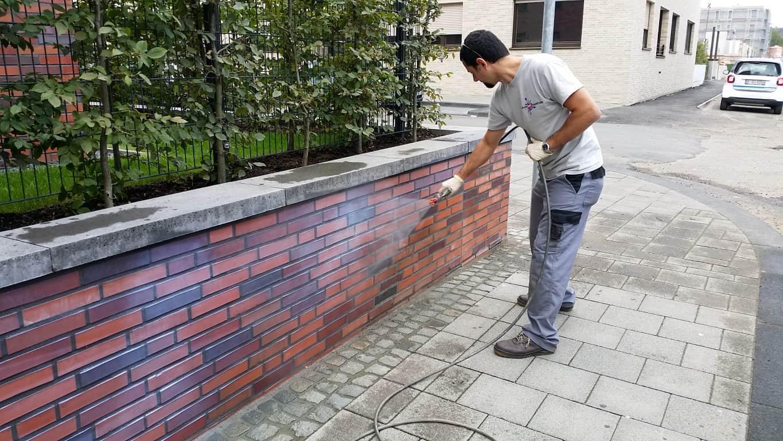 Graffitientfernung und Antigraffiti Klinker Köln 8