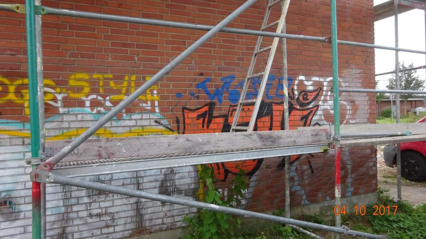 Stopgraffiti Graffitientfernung Fassadenreinigung und Graffitischutz Klinkerfassade 4