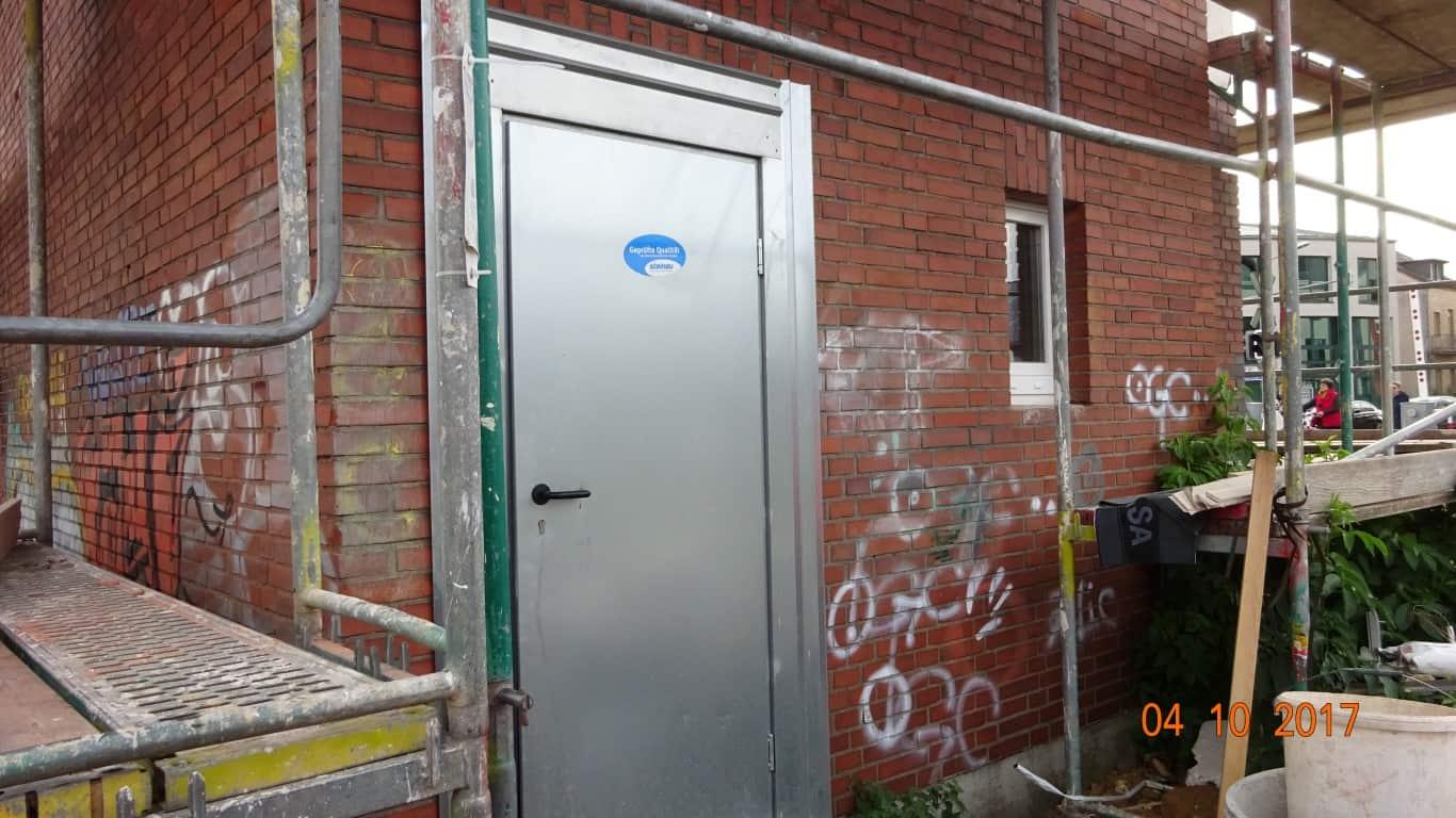Stopgraffiti Graffitientfernung Fassadenreinigung und Graffitischutz Klinkerfassade 5