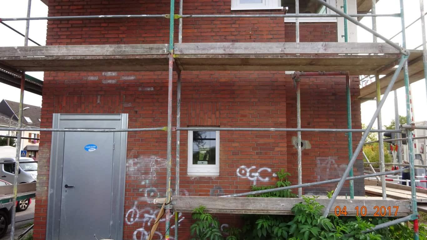 Stopgraffiti Graffitientfernung Fassadenreinigung und Graffitischutz Klinkerfassade 6
