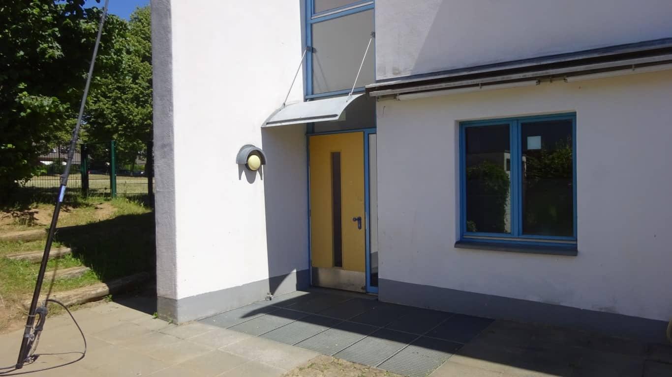 Stopgraffiti Fassadenreinigung und Langzeitschutz Kita Bergisch Gladbach (12)